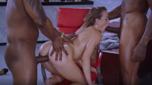 Naomi Swann – Blacked