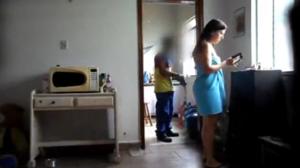 Gisela de Goiás chupando o entregador