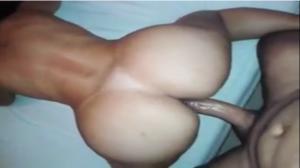 Caiu no zap Larissa de São Paulo liberando o botão – Xvideos Porno