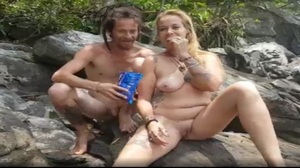 Porno na ilha com coroa loira tarada por sexo