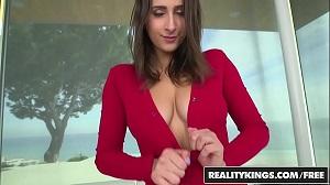 Novinha peituda no sexo gostoso demais sem camisinha