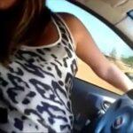 Morena amadora no carro