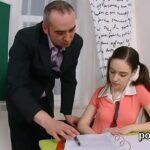 Professor e alunas