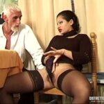 Professora Elena Chiquititas fazendo anal